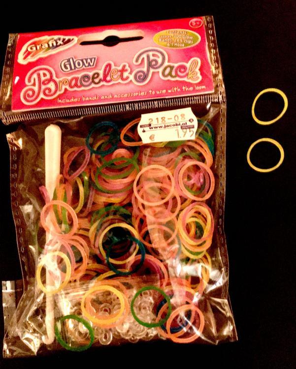Bracelet.thumb.jpg.aa08978662a444dff32b0e4630710ea9.jpg